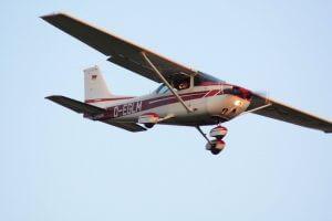 Kleinflugzeug Cessna chartern bei der Flugschule Fläming Air in Berlin und Brandenburg