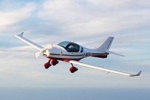 Ein Ultraleicht-Flugzeug chartern bei der Flugschule Fläming Air